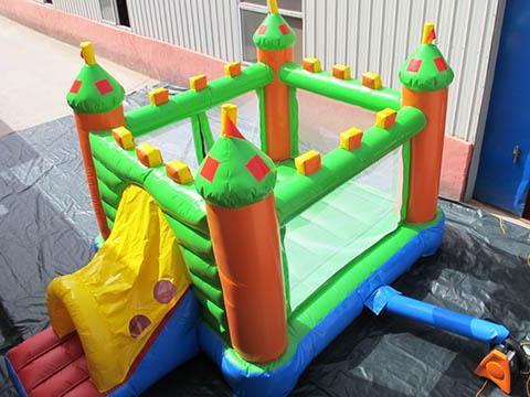 надувные замки для детей