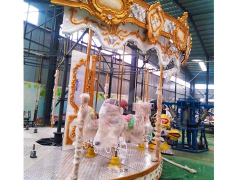 Аттраркцион карусель на завод в Китае