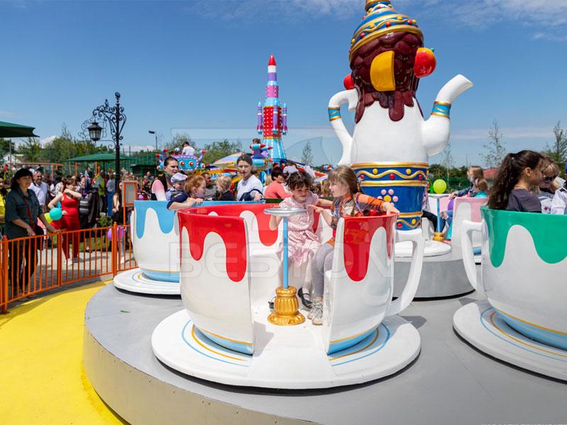 Аттракцон веселые чашки