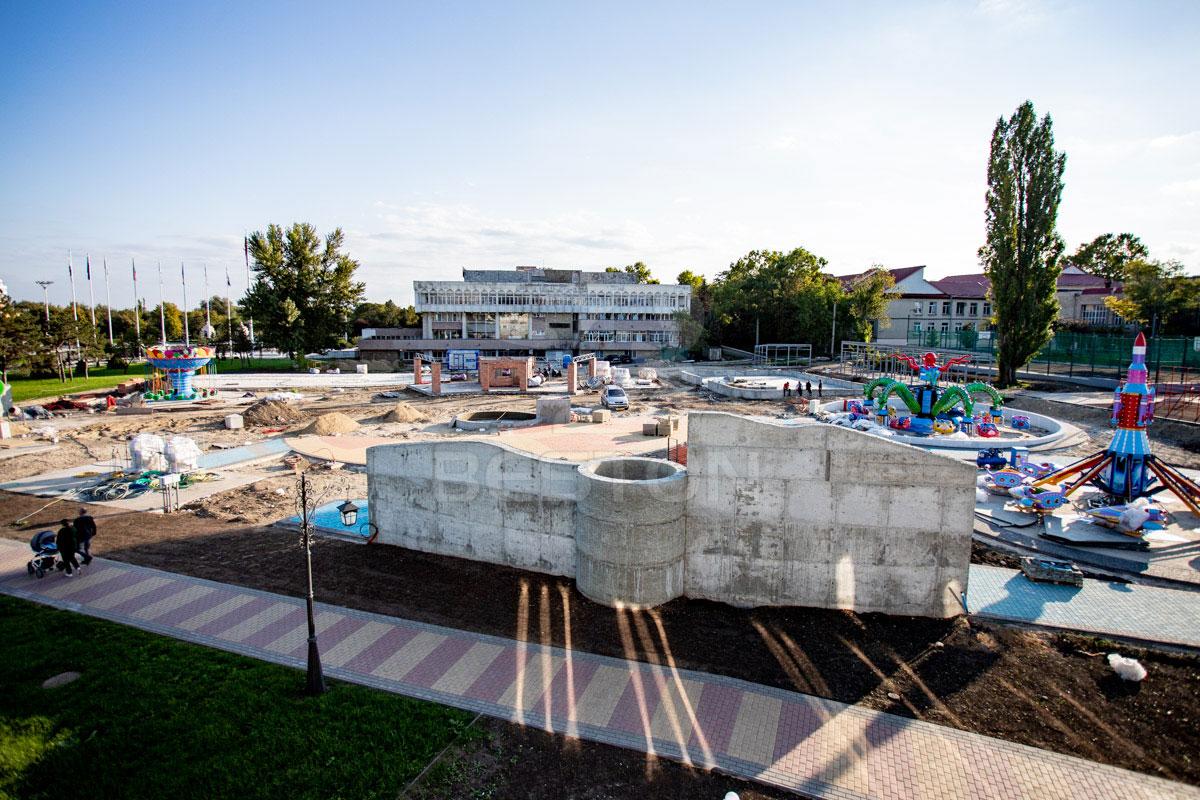 Процесс строительства парка развлечений