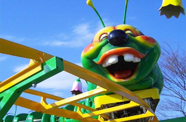 аттракцион американские горки гусеница